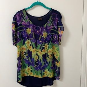 Floral Mod lusive shirt.